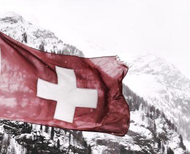 【平和を護るには】9条信者が日本を滅ぼす!永世中立国スイスの努力